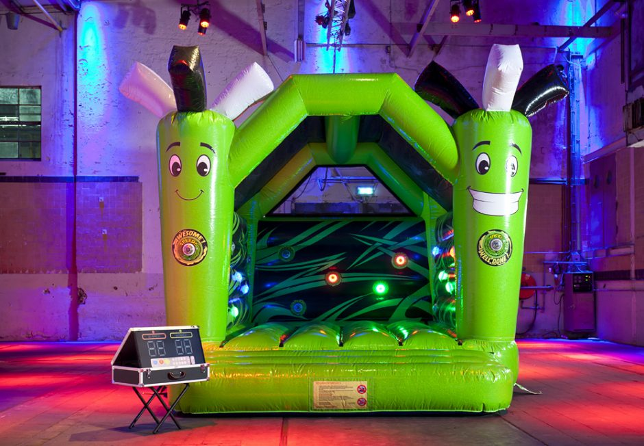 bouncer-with-roof-active-jump-3
