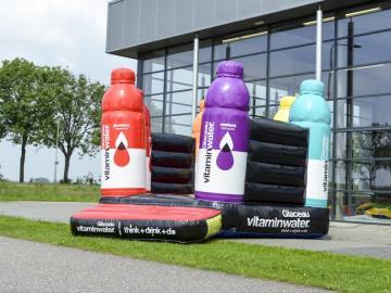 HR-Opblaasbaar-Springkussen-Glaceau-Vitamin-Water-001-940x705
