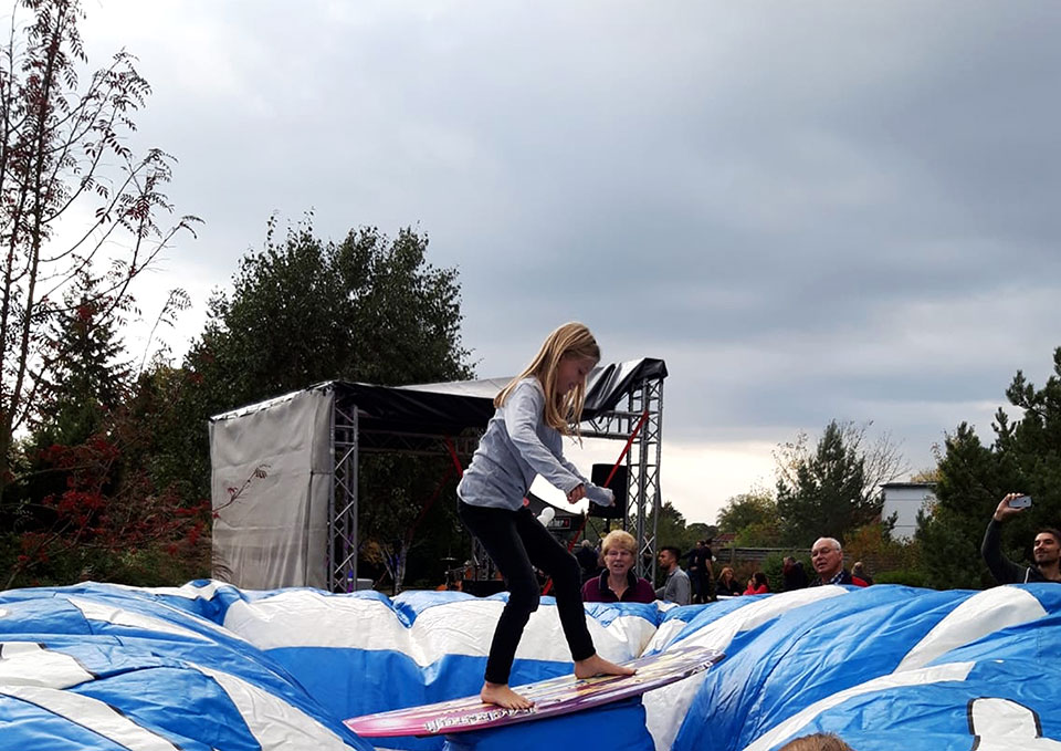 Rodeo-Surf-Simulator-eventmodul-eventattraktion-3