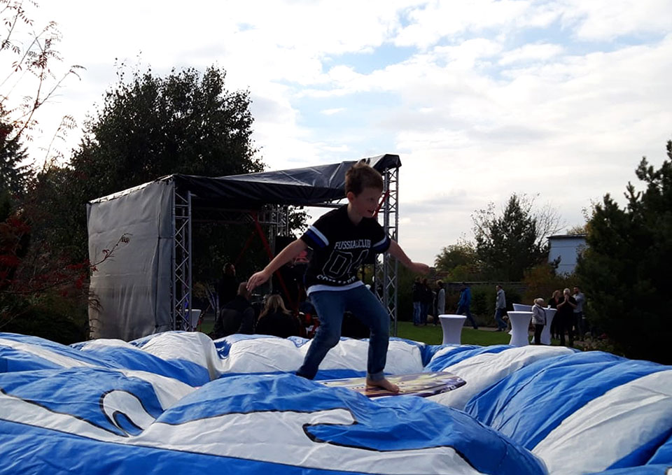 Rodeo-Surf-Simulator-eventmodul-eventattraktion-4