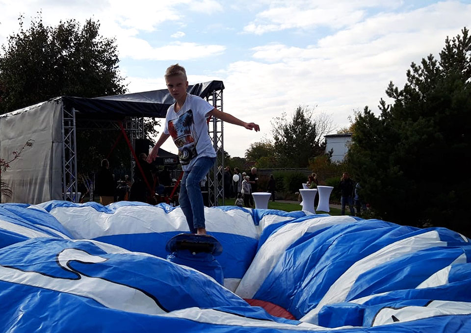 Rodeo-Surf-Simulator-eventmodul-eventattraktion-5
