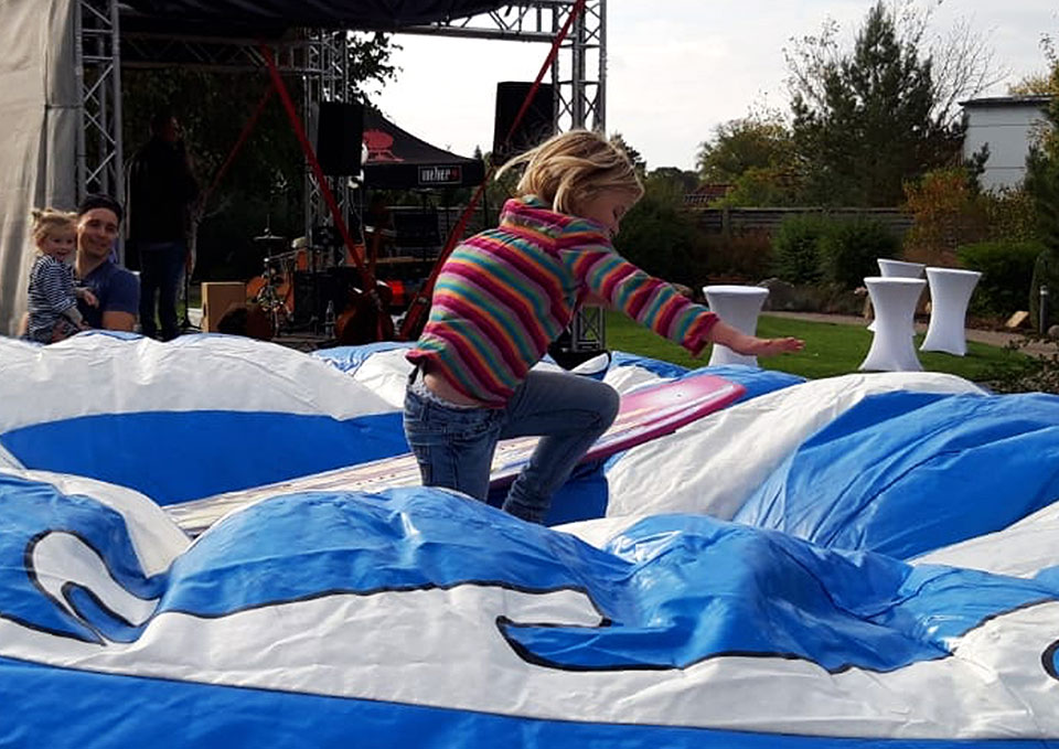 Rodeo-Surf-Simulator-eventmodul-eventattraktion-7